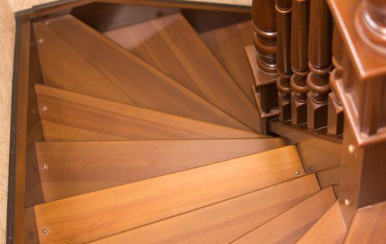 Lesene stopnice so idealna rešitev pri obnovi vašega doma